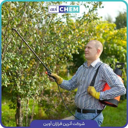 سمپاشی درختان میوه